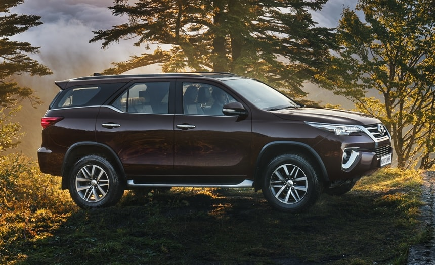 Toyota Fortuner 2019-2020 фото